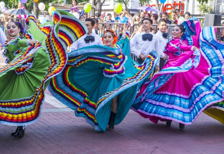 mexicans dancing, celebrating cinco de mayo